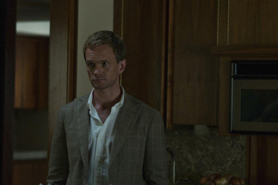 How I Met Your Mother'dan tanıdığımız Neil Patrick Harris'in ciddi roldeki ilk sinema deneyimlerinden biri Gone Girl ve hiç fena iş çıkarmamış...