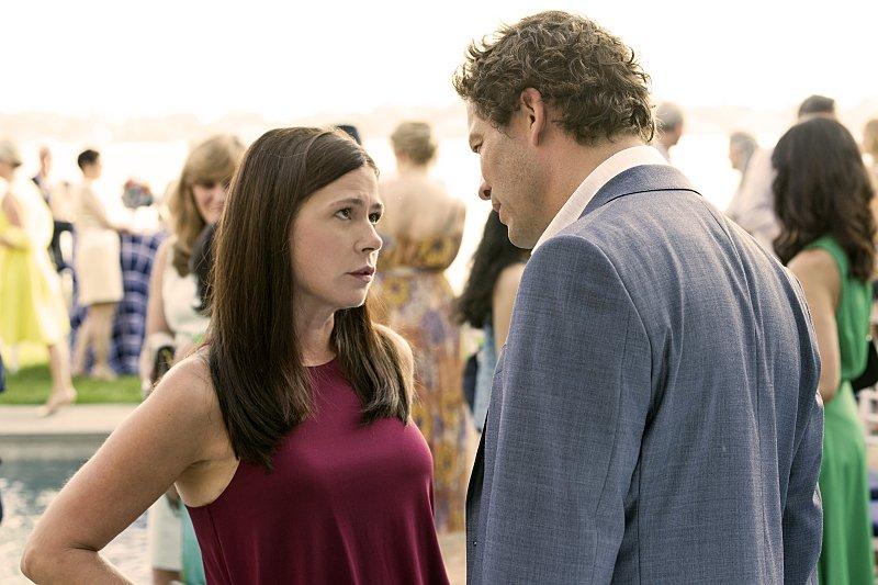 Noah ve Helen mutlu gibi gözükmesine karşın bir takım sorunları olan bir çift...