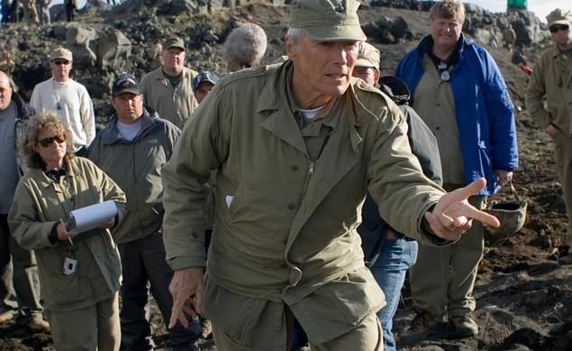 Yıllara meydan okuyan Clint Eastwood bu sezonki ilk prestijli ödülünü aldı...