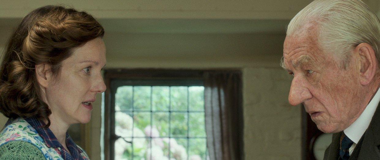 Üç kez Oscar adayı olan Laura Linney kadroda Ian McKellen'a ünlü eden tek ünlü isim diyebiliriz.