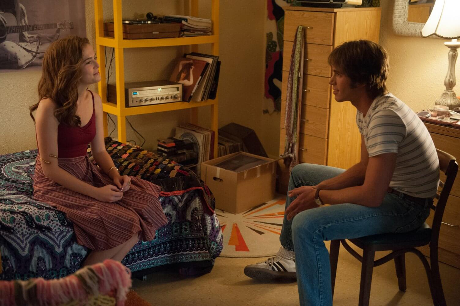 Zoey Deutch, Blake Jenner - Everybody Wants Some
